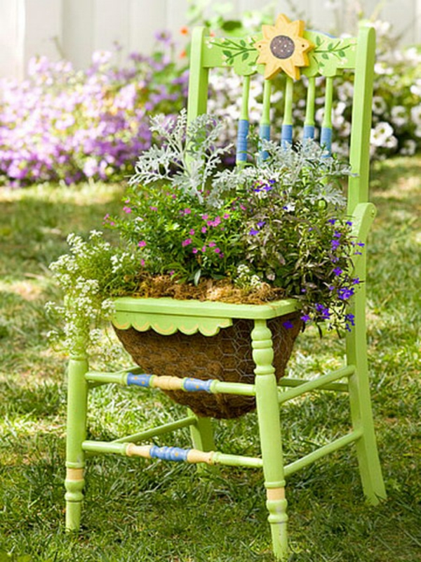 To Brighten Your Garden By Adding Color And Personality. By Doing This Kind  Of Recycling You Can Also Saves Money.