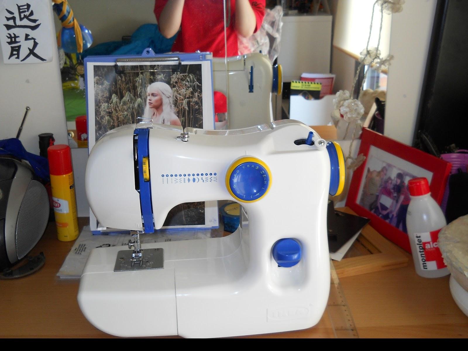 Nimue presents daenerys targaryen cosplay - Mesa para maquina de coser ikea ...
