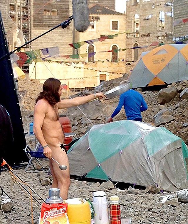 Jake Gyllenhaal se quito la ropa para su nueva película Everest