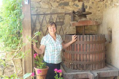 Дубовый пресс для винограда