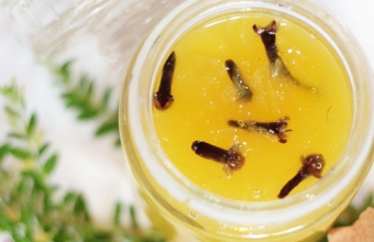 indian green mango relish with cloves