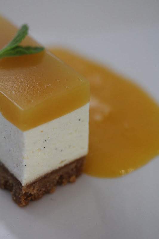 On dine chez nanou cheesecake sans cuisson au brillat savarin fruit de la passion et mangue - Recette de cheesecake sans cuisson ...