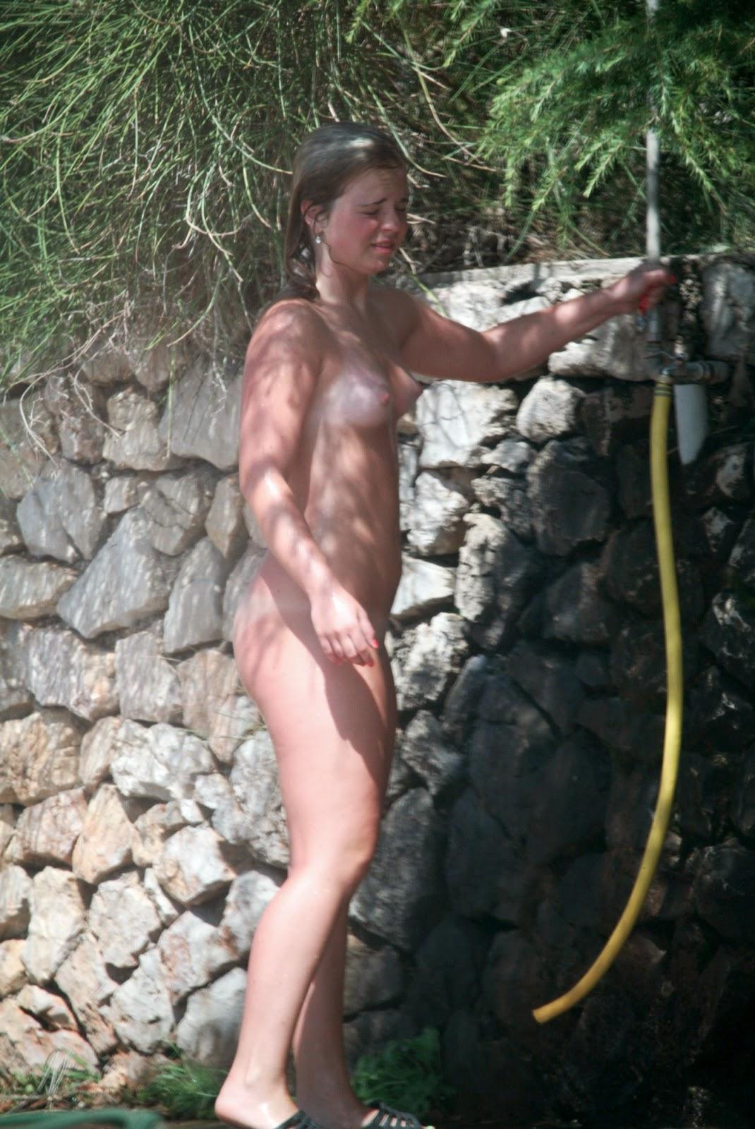 croatia girls naked in the shower