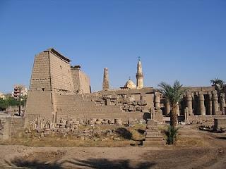 Luxor: Tempat Wisata Paling Populer di Mesir