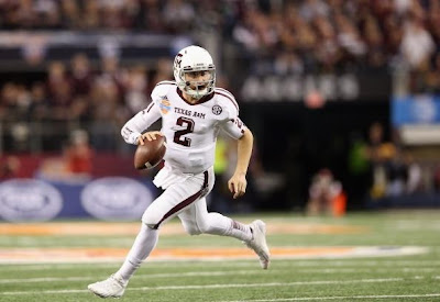 Johnny Manziel wins the Manning Award.
