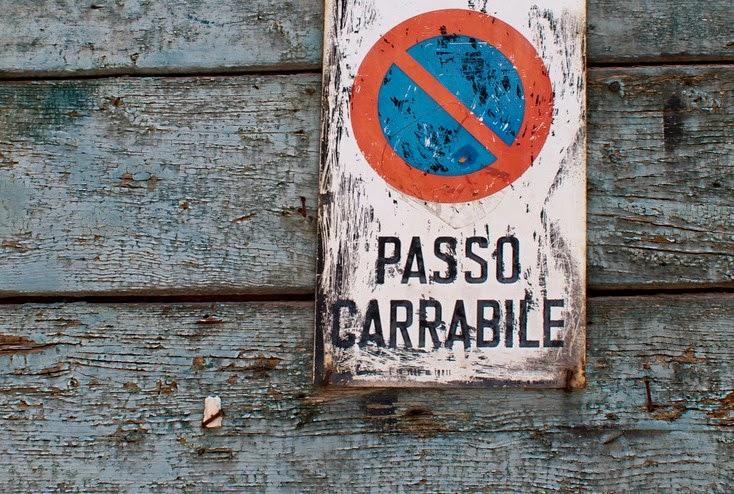 Abolito il canone per il passo carrabile accolto for I deputati del pd