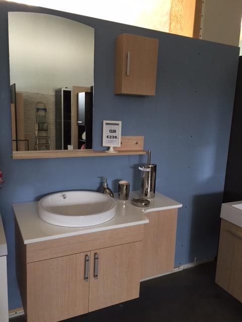Mobile bagno con lavabo a ciotola e piano d'appoggio ~ Box ...