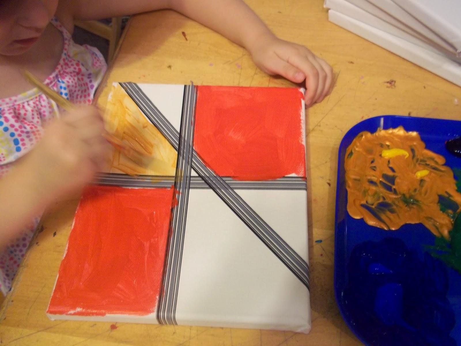 Info garderie peinture sur toile au ruban adh sif for Adhesif geometrique