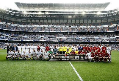 Picture with all the players of the Heart Classic Match 2011: Real Madrid vs Bayern Munchen