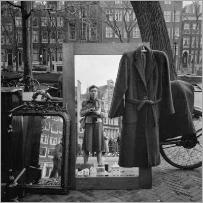 http://greeneyes55.tumblr.com/post/87185923472/amsterdam-1950s-photo-eva-besnyoe