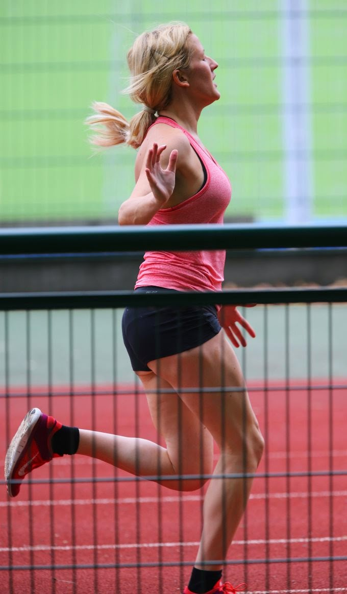 Ellie Goulding Working Out in a London Park with a Personal Trainer