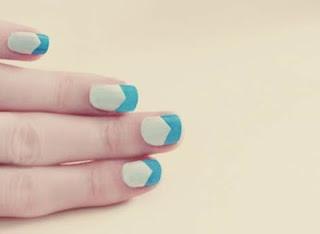 uñas con diseño chevron