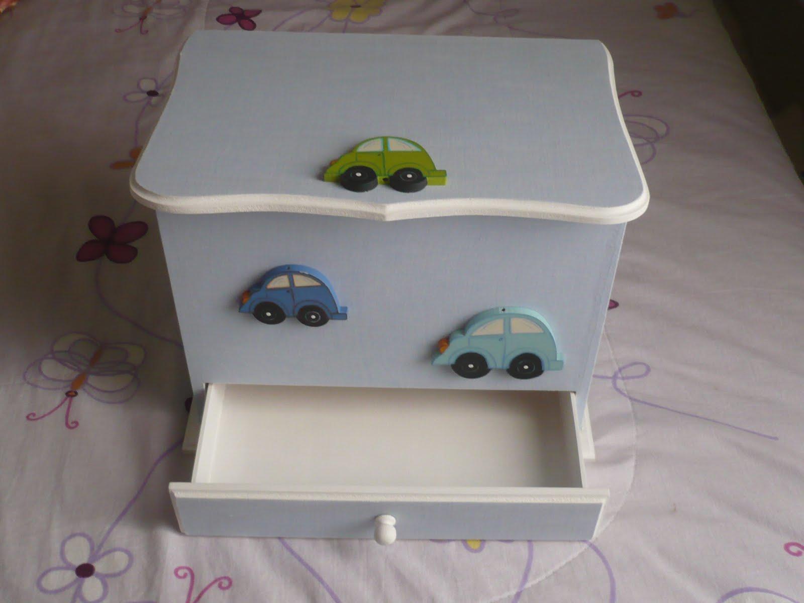 Bicho da Madeira Joinville: Caixa para quarto de bebê! #3B4D64 1600x1200