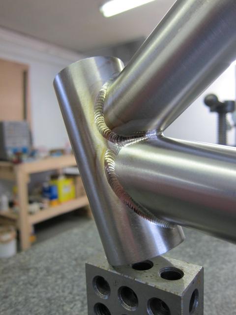 Titanium Motorcycle Frame [Archive] - WeldingWeb™ - Welding forum ...