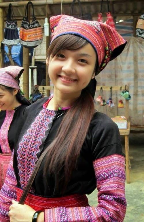 Trang phục nữ người H'Mông