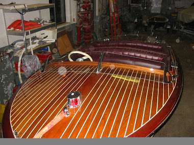 Chris Craft Replica - Refinshed Varnish &amp; Engine Rebuild