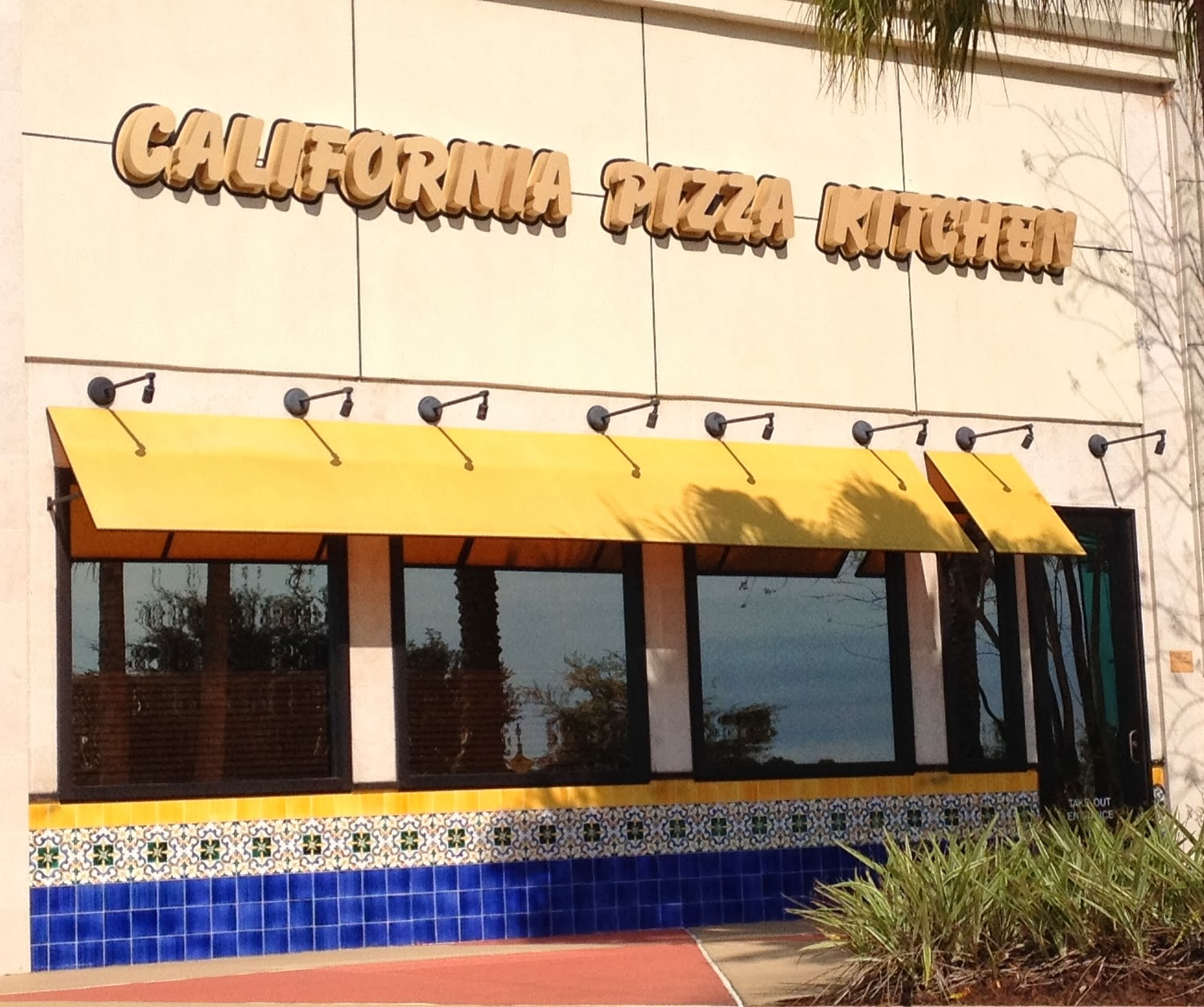 The Gluten & Dairy-Free Review Blog: California Pizza Kitchen Review