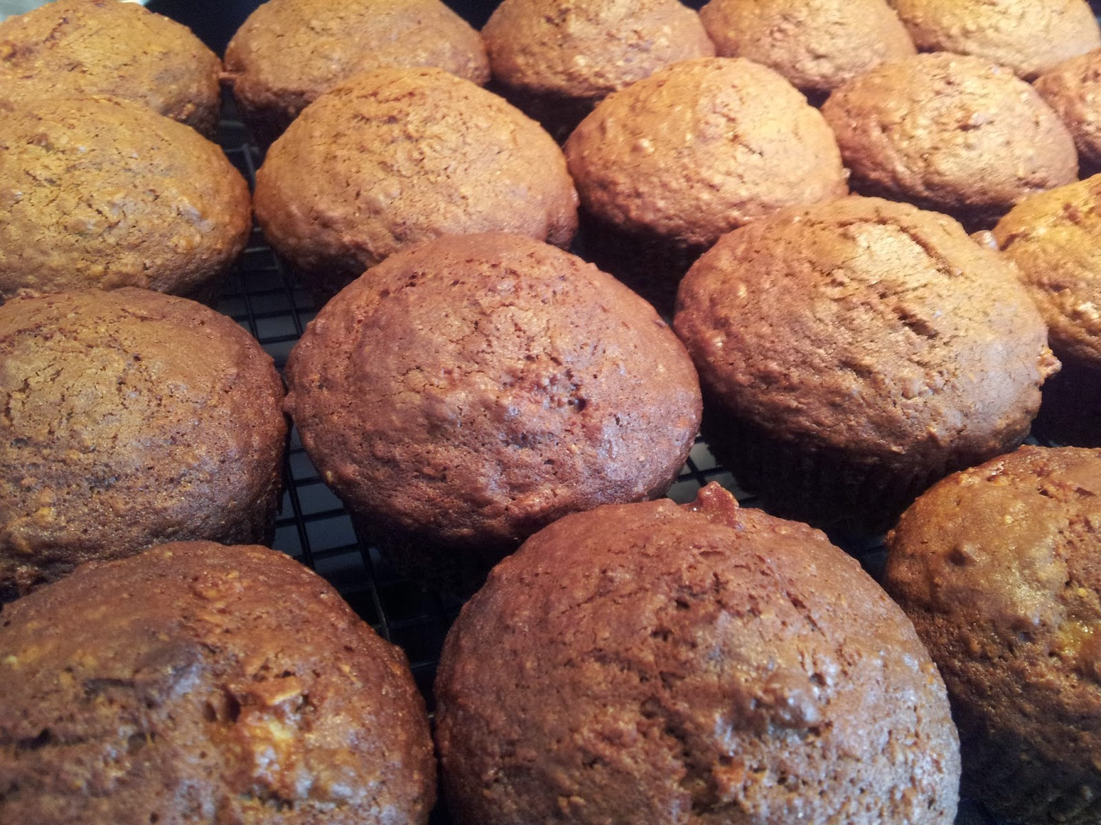 Apple cinnamon oat bran muffins, baking, healthy snacks