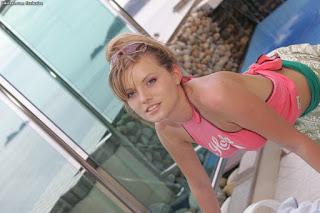 Casual Bottomless Girls - sexygirl-irena2_1-766020.jpg