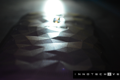 Zenfone 2 Deluxe Back-Innotechive