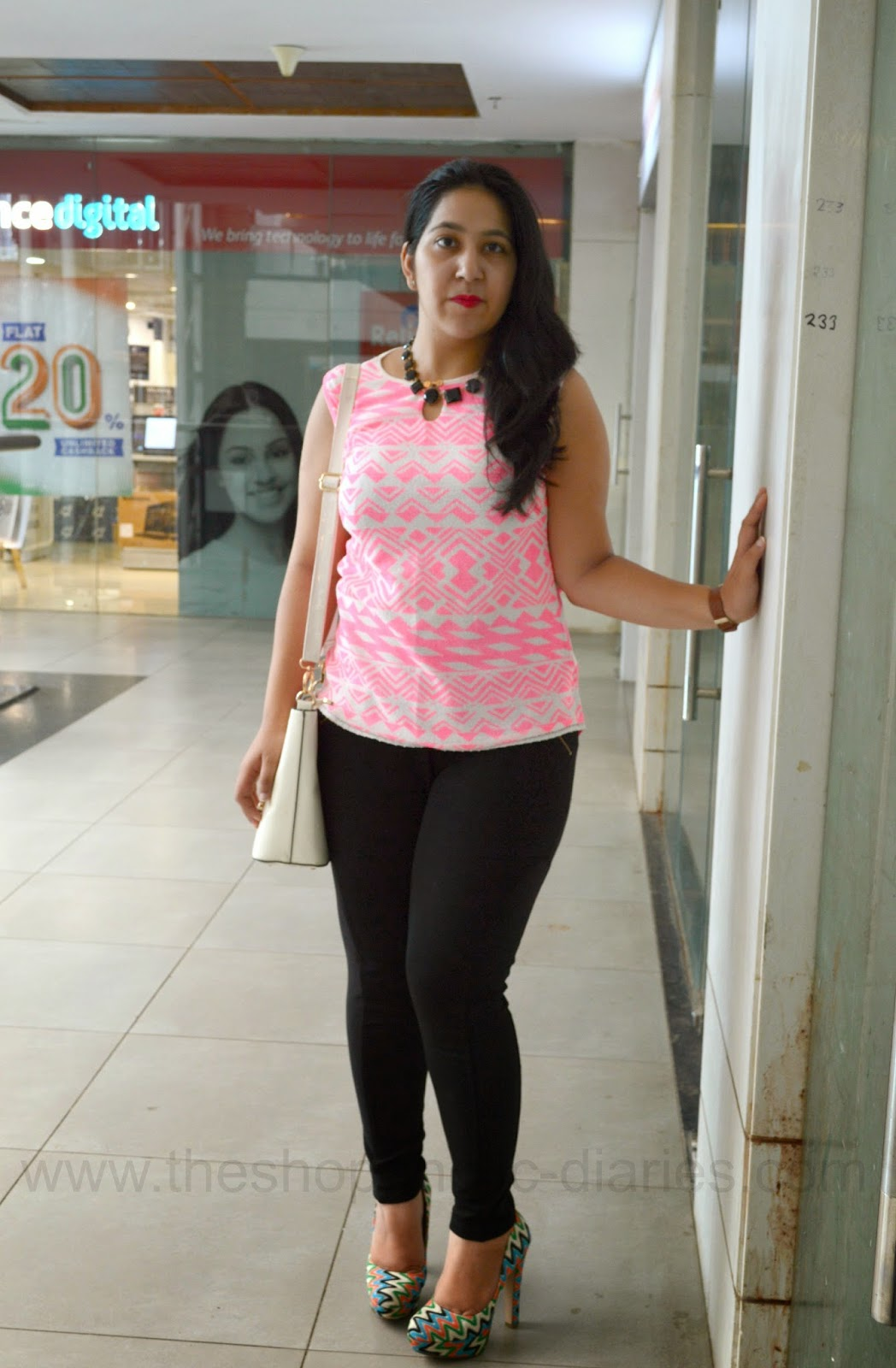 OOTD - Dare to Wear Leggings - Curvy Style Guide | The Shopaholic Diaries - Indian Fashion ...