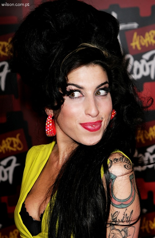 amy winehouse футболки.