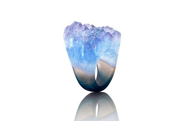 Diseño de anillos de cristal.
