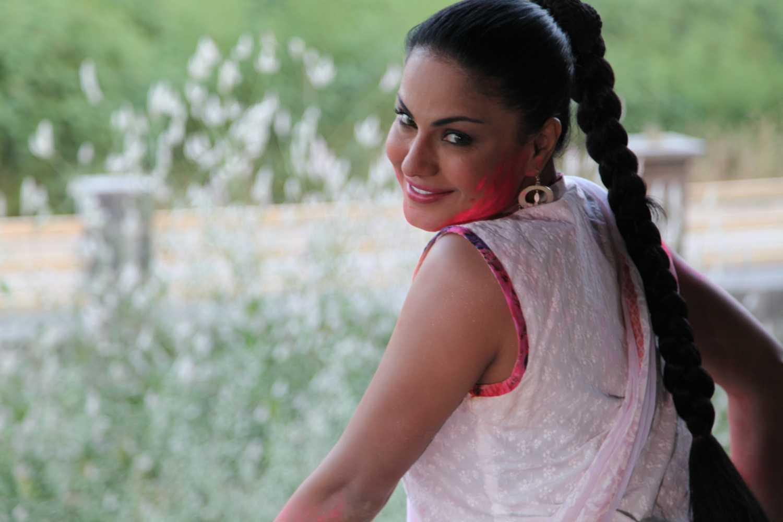 Veena Malik holi Celebration 2013 32 - Veena Malik Holi Photos 2013