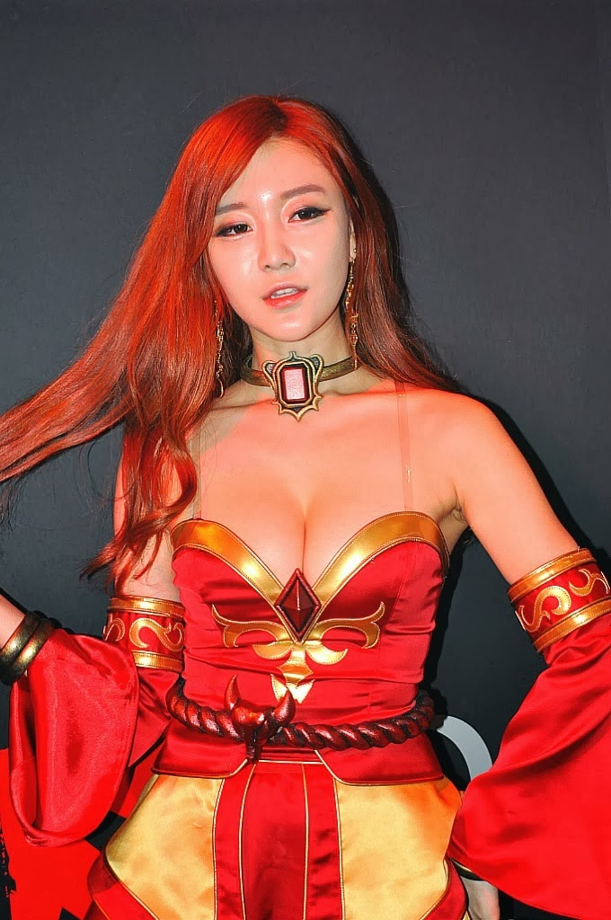 Lina Inverse Dota Cosplay Beauty cosplayer lina inverseLina Inverse Dota Cosplay