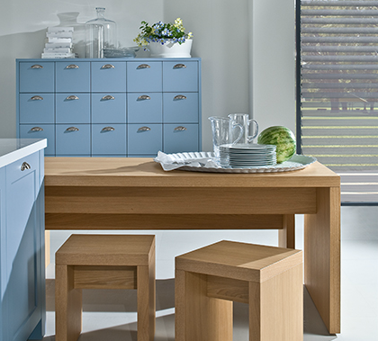 cocina roble claro y azul with bancos para cocina modernos