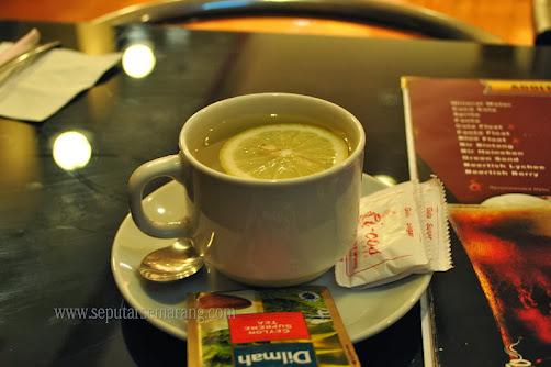 Gambar secangkir teh lemon tea
