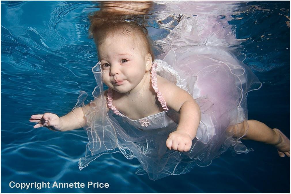 Photo bébé sous l'eau