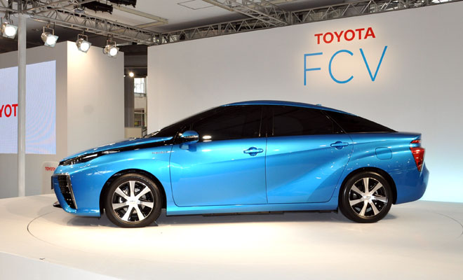 Toyota Fuel Cell Vehicle - side view