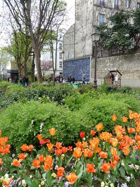 mur des je t'aime incontournable à Montmartre