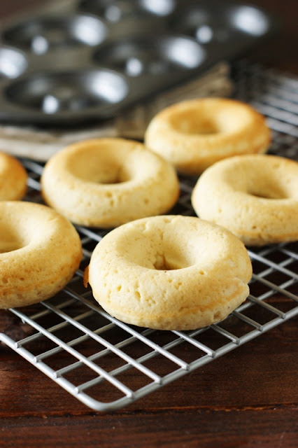 Baked Donuts ~ fresh-made donuts, without the fuss of frying!   www.thekitchenismyplayground.com