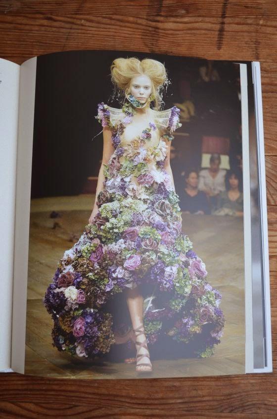 Blumen - Verfall - Alexander McQueen - SS 2007