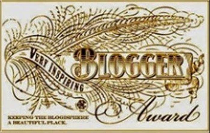 PRÊMIO BLOGGER AWARD