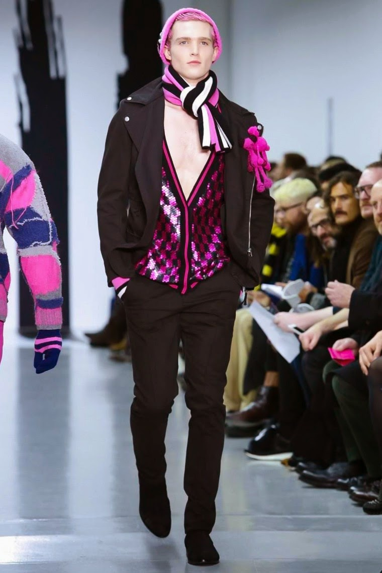 Sibling AW15, Sibling FW15, Sibling Fall Winter 2015, Sibling Autumn Winter 2015, Sibling, du dessin aux podiums, dudessinauxpodiums, LCM, London Collections Men, mode homme, menswear, habits, prêt-à-porter, tendance fashion, blog mode homme, magazine mode homme, site mode homme, conseil mode homme, doudoune homme, veste homme, chemise homme, vintage look, dress to impress, dress for less, boho, unique vintage, alloy clothing, venus clothing, la moda, spring trends, tendance, tendance de mode, blog de mode, fashion blog,  blog mode, mode paris, paris mode, fashion news, designer, fashion designer, moda in pelle, ross dress for less, fashion magazines, fashion blogs, mode a toi, revista de moda, vintage, vintage definition, vintage retro, top fashion, suits online, blog de moda, blog moda, ropa, blogs de moda, fashion tops, vetement tendance, fashion week, London Fashion Week