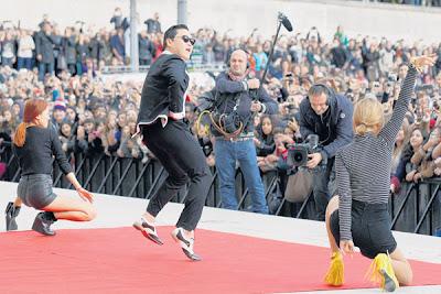 Paris Gangnam Style