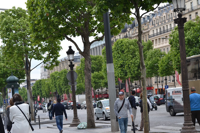 PARIS RANDOM,
