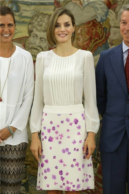 Queen Letizia of Spain attended a meeting with members of the foundation ''Lo Que de Verdad Importa'' (What really matters)