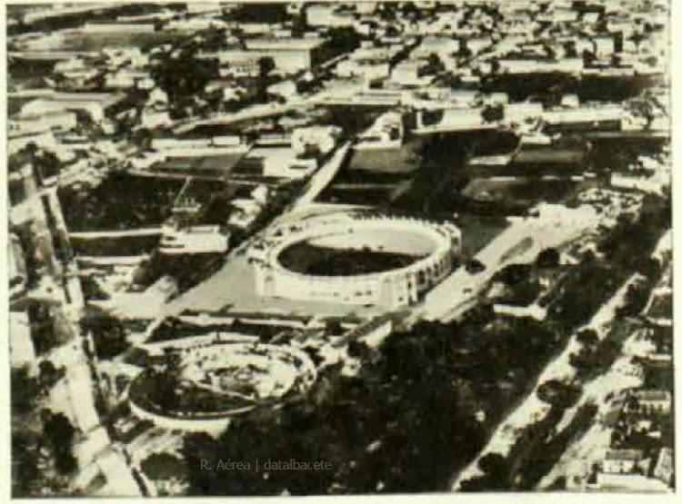 foto antigua plazas de toros albacete