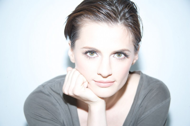 Stana Katic Profile Images And Wallpapers
