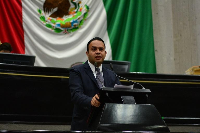 Presentan iniciativa que faculta a alcaldes nombrar secretario, tesorero y contralor en municipios