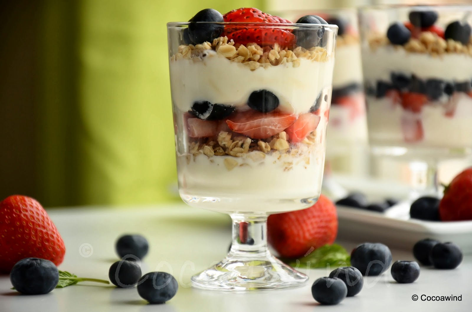 Mixed Berry Granola Yogurt Parfait - Cocoawind