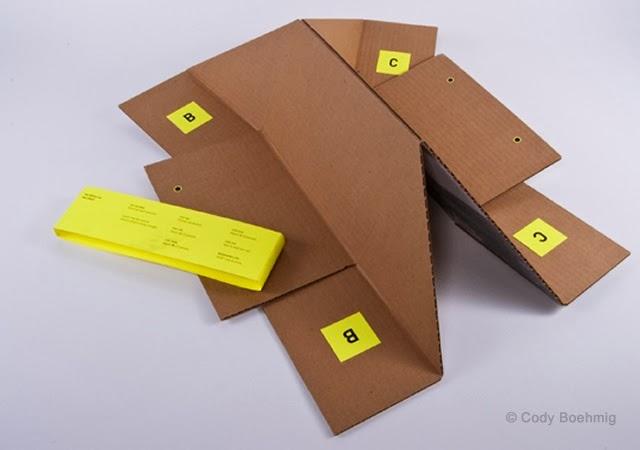 Lipatan Rak Buku Gantung Berbahan Kardus