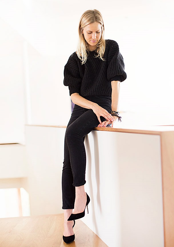 Jessica de Ruiter style black on black