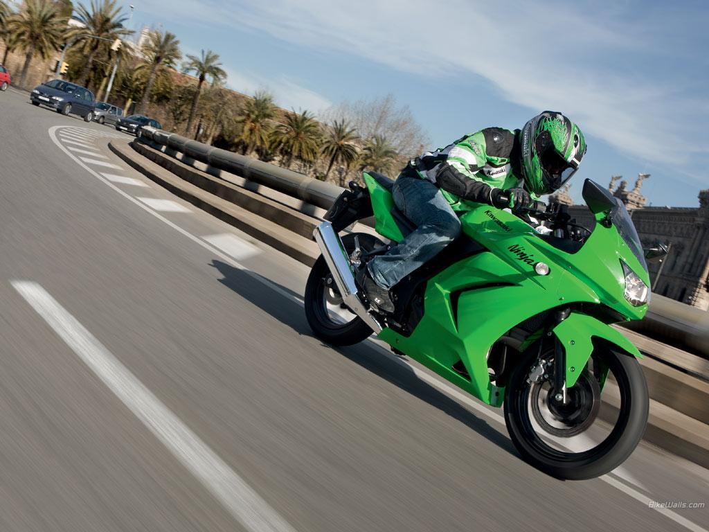 BIKES MODEL  Kawasaki Ninja 250R