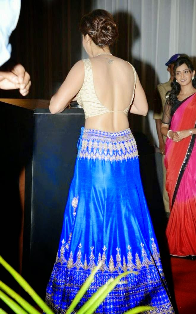 samantha backless photo