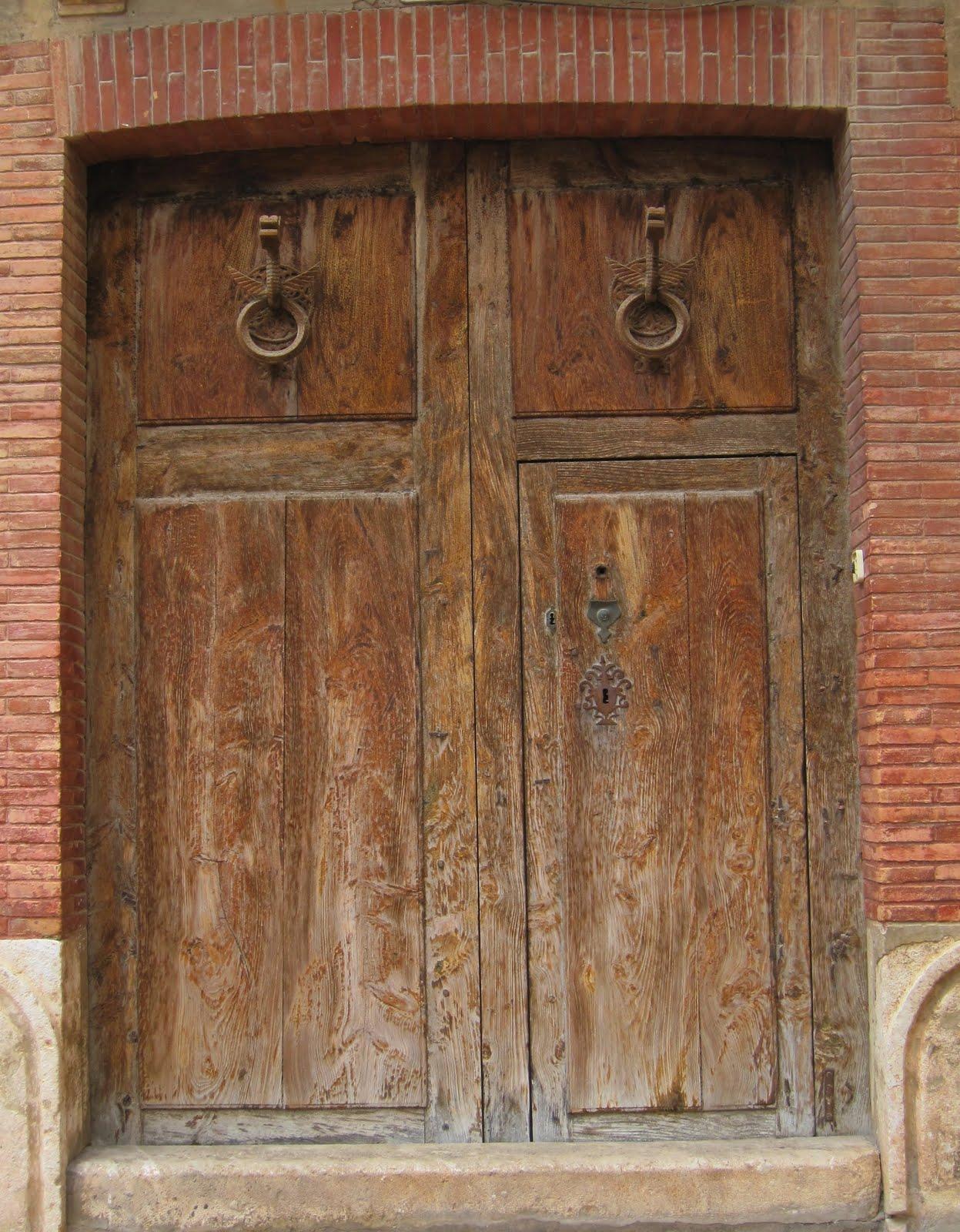 Apiarium puertas y portones de madera con solera - Portones de madera antiguos ...